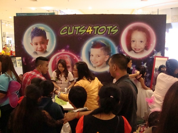 ayala fairview terraces halloween event costume party 2014 cuts for tots art of being a mom www.artofbeingamom.com 01
