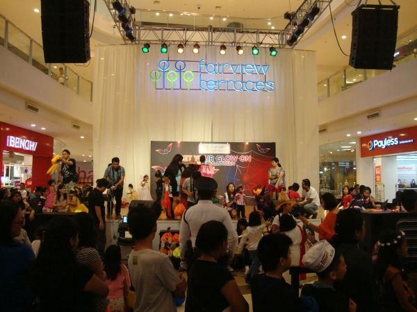 ayala fairview terraces halloween event costume party trick or treat 2014 art of being a mom www.artofbeingamom.com 09