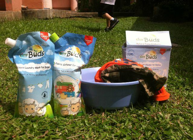 tiny buds natural baby laundry wash soap fabric softener lifestyle mommy blogger www.artofbeingamom.com02