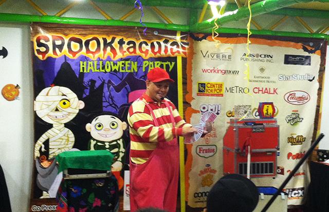 active fun halloween fairview terraces trick or treat lifestyle mommy blogger www.artofbeingamom.com 03