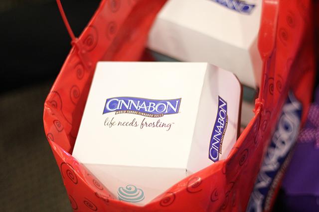 mommy bloggers philippines christmas party 2015 cinnabon cinnamon rolls lifestyle mommy blogger www.artofbeingamom.com 01