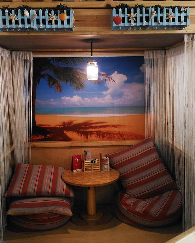 uke box caffe ukelele cafe music cafe eastwood lifestyle mommy blogger www.artofbeingamom.com 02