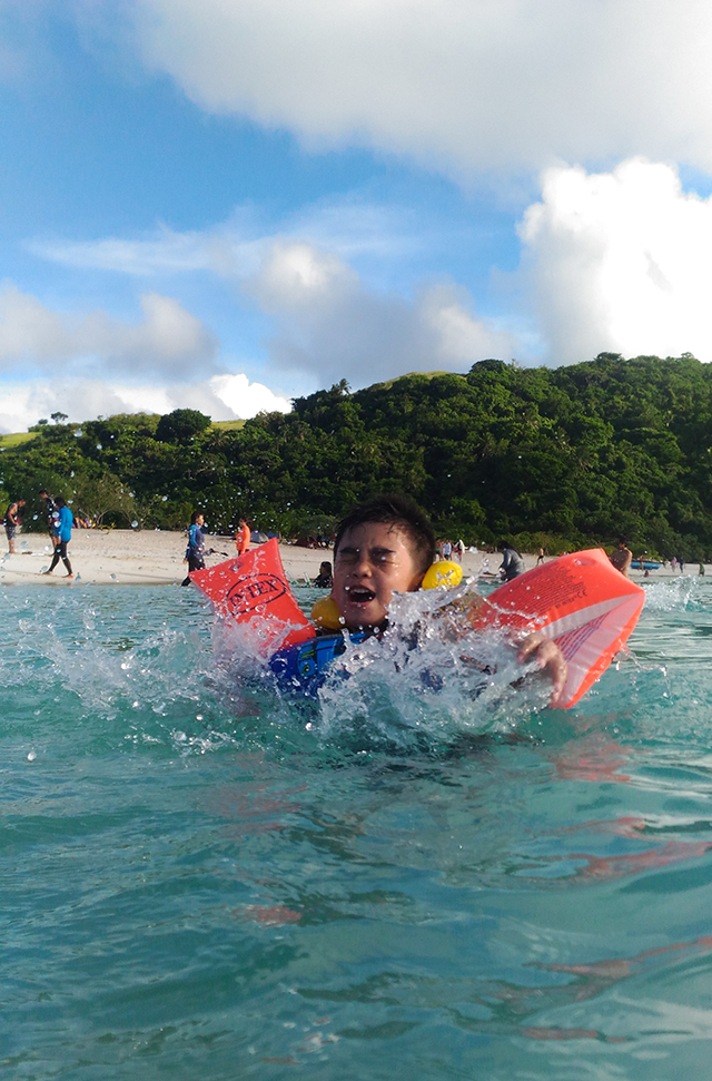calaguas island camarines sur bicol beach island travel lifestyle mommy blogger www.artofbeingamom.com 13